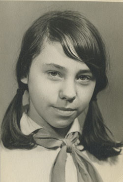 My school portrait with a Young Pioneer kerchief, 1967